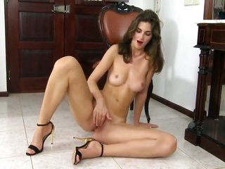 noted looking hoochie Charlotta tool banging her vagina