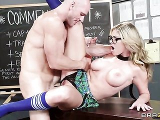 Johnny Sins seizes thrill from beating unthinkably sexy Brianna Brookss wussy rift