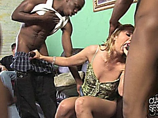 Kelly Wells_Cuckold Sessions 01