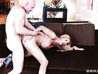 Johnny Sins makes his rock tough fancy torpedo fade away in delightsome Brooke Tylers slit