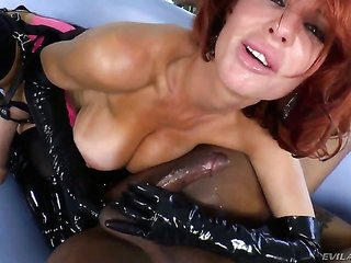 Robert Axel uses his vulgar shlong to bring blow job user Veronica Avluv to the height of satisfaction