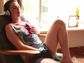 newbie Ezmerelda Fingers Her bushy feminized male