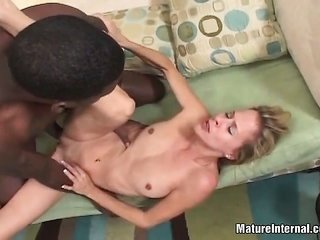 dark-complexioned dong drills sandy colored slutty pussy