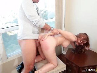 Keiran Lee whips out his meat staff to fuck Veronica Vice with well-built knockers