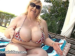 Xtacy : mature Milf BBW