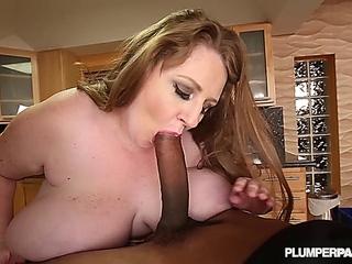 Sapphire - Jigglin In The Kitchen (HD)