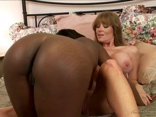 dark-complexioned Wendy Breeze fulfills her homosexual chick needs with Darla Cranes move the tongue across in her slightly wet eye