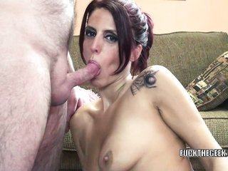 Redhead MILF Lavender Rayne collects her twat owned