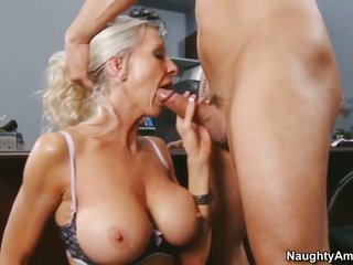Derrick go through seduces naughty porn hotty Emma Starr with massive tits over and above hairless bush into penetrating